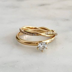 Engagement rings 1 in 18k gold and brilliant cut diamonds