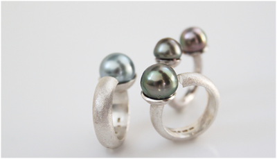 Rings in silver with cultivated tahiti pearls