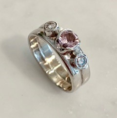 Ring i 18k white gold with morganite and brilliant cut diamonds