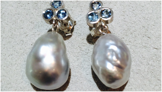 Earrings in silver with aquamarine and keshi pearls